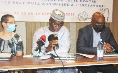 La CNDH à l'avant-garde de la lutte contre l'esclavage au Mali: Des magistrats, des avocats, des officiers de police judiciaire et du personnel pénitentiaire suivent une formation sur la thématique